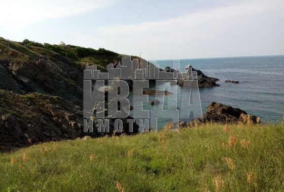 Парцел на морския бряг в с. Варвара